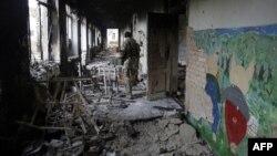 Український військовий у Пісках, Донеччина (архівне фото)