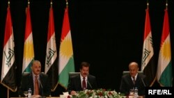 الهيئة الرئاسية الجديدة لبرلمان كردستان وهم كل من كمال كركوكي في الوسط وارسلان بايز في اليسار وفرست احمد في اليمين