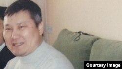 """""""Араздық қоздырды"""" деп айыпталған Санат Досов. (Отбасы мұрағатындағы фото.)"""