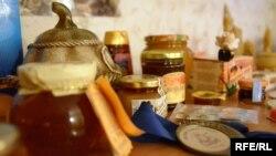 Зразки меду громадської організації, яку очолює Сергій Шмуля