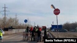 Блокпост в Целиноградском районе Акмолинской области. 12 апреля 2020 года.