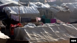 Temporary shelters in the capital, Kabul, for Afghans displaced by conflict (file photo)