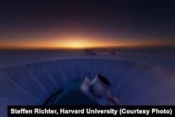 Телескоп BICEP2 в сумерках