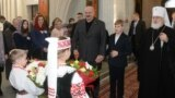 Belarus - Lukashenka in church, president.gov.by