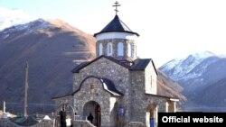 Епископ вручил благодарственные письма меценатам, на чьи средства восстановлен храм