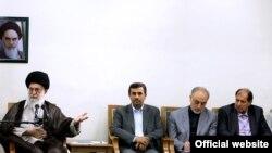 محمود احمدی نژاد و هیات دولت عصر یکشنبه با رهبر ایران دیدار کردند