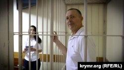 Петро Михальчевський у будівлі суду