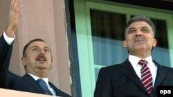 Թուրքիայի և Ադրբեջանի նախագահներ Աբդուլա Գյուլի և Իլհամ Ալիևի հանդիպումներից մեկը, արխիվ