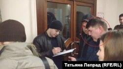 """Предположительно на снимке человек, напавший на журналистку """"Сибирь.Реалии"""""""