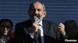 Armenia - Prime Minister Nikol Pashinian speaks at an election campaign rally in Maralik, November 26, 2018.