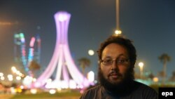 Bahrain -- US freelance journalist Steven Sotloff during a work trip in Manama near Lulu Roundabout, October 26, 2010