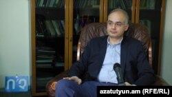Руководитель парламентской фракции АНК Левон Зурабян (архив)