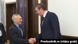 Встреча Александра Вучича (справа) и посла России в Сербии Александра Боцана-Харченко, Белград, утро 21 ноября