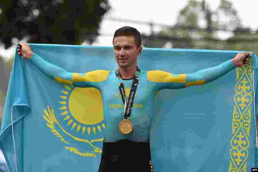 Алексей Луценко жекелей жарыста да жеңіске жетіп, Джакартадағы Азия ойындарының екі дүркін чемпионы атанды.
