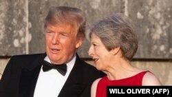 АКШ президенти Доналд Трамп жана Британиянын премьер-министри Тереза Мэй. 12-июль, 2018-жыл. Лондон.