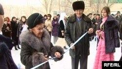 Церемония открытия новой больнице в поселке Актау Карагандинской области.