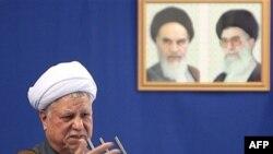آقای رفسنجانی خواستار افزايش سرمايه گذاری، توليد و تقويت بخش خصوصی شده است.(عکس از AFP)