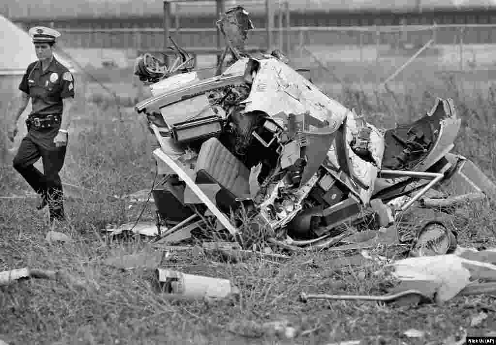 Пауерс і його телеоператор загинули 1 серпня 1977 року, коли їхній новинний вертоліт розбився. Вони висвітлювали місцеві лісові пожежі для KNBC News, коли вертоліт, яким керував Пауерс, упав на поле