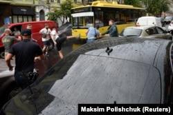 Під час бійки між нападниками на автомобіль п'ятого президента України Петра Порошенка і його охоронцями. Київ, 25 липня 2019 року