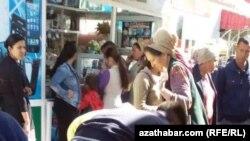 Türkmenistanda azyk bazary (arhiw suraty)