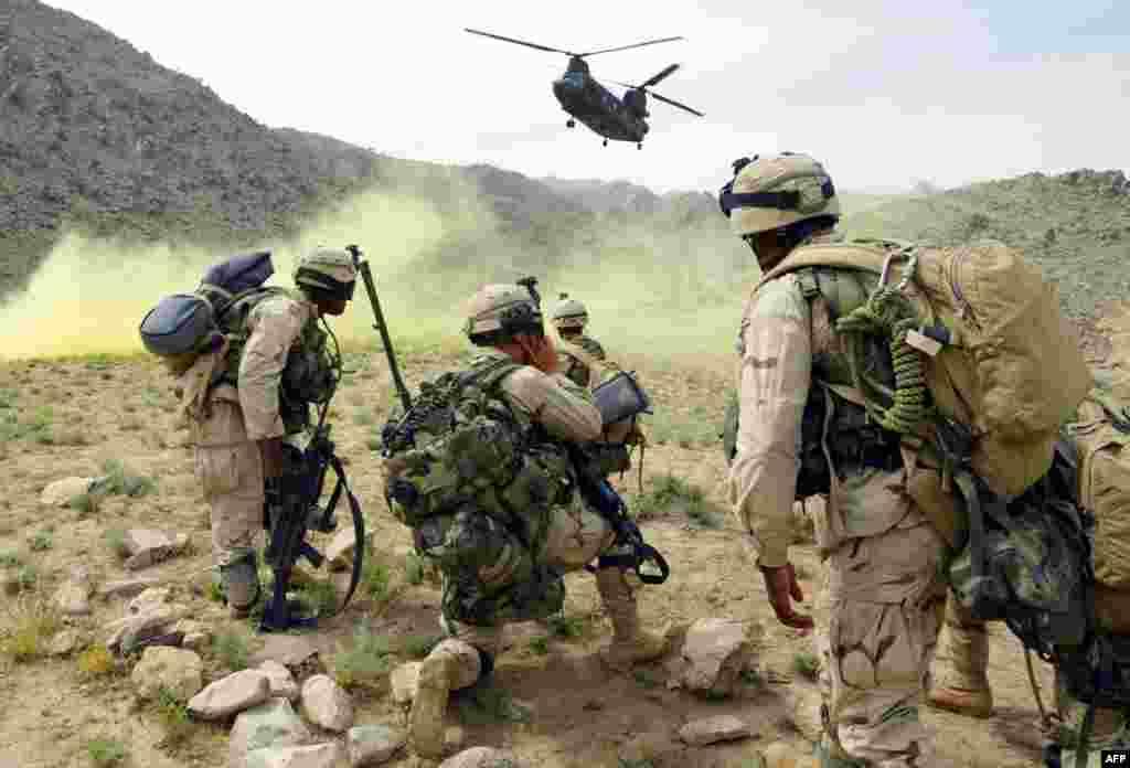Američki vojnici u operaciji sjeverno od Kandahara, 20.05.2003. Foto: AFP / Kamal Kishore