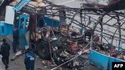 Взорванный террористом троллейбус в Волгограде. 30 декабря 2013 года