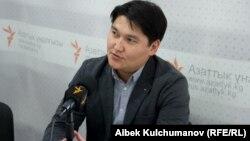 """Әділ Турдукулов, """"Сөз бостандығын қорғау комитеті"""" ұйымының жетекшісі."""