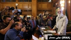 در ۱۲ سال اخیر، مهدی چمران جز یک سال، ریاست شورای شهر تهران را به عهده داشته است.