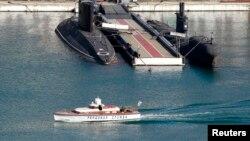Російські підводні човни Чорноморського флоту в порту Севастополя, 20 березня 2014 року