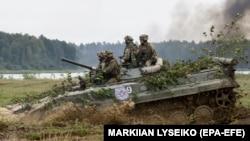 Украинские военные на американо-украинских учениях Rapid Trident-2018, недалеко от Львова, 6 сентября 2018 года