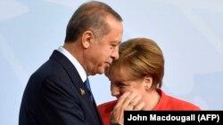 Recep Erdogan și ANgela Merkel, imagine de arhivă