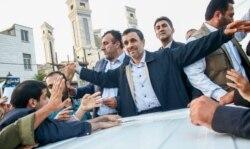 ساعت ششم - احمدینژاد میآید؟
