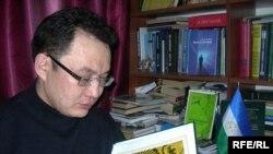 Азамат Рыскилдинді Башқұртстанның конституциялық құқықтық тарихы және поэзиясы қызықтырады. Алматы, наурыз, 2009 жыл.