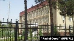 Здание Хатлонского областного суда в Таджикистане.