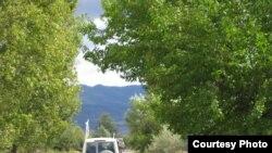 Возле деревни Двани граница была передвинута на два-три метра вглубь, в результате дорога, которая связывала деревню с земельными участками местных жителей, оказалась перекрыта
