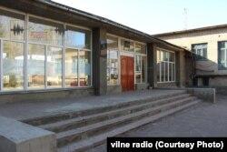 На дільницях 140966 – 140967, які розташовані у школі №9 (вул. Братська, 14)