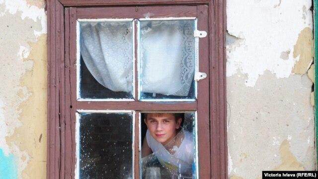 В украинском селе в зоне обстрелов, 2015
