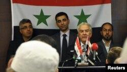 سمیر نشار (نفر دوم از سمت راست)