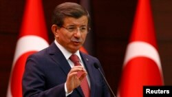 Kryeministri i Shqipërisë, Minister Ahmet Davutoglu speaks during a joint news conference with German Chancellor in Ankara, February 8, 2016