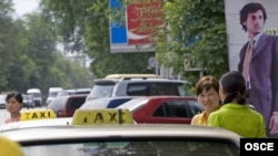 Бишкектин бир көчөсүнөн көрүнүш.