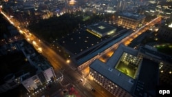 Գերմանիա - Լույսերի շարքը ցույց է տալիս Բեռլինի պատի նախկին տեղը, 7-ը նոյեմբերի, 2014թ․