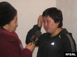 Жаркын Суран кызы абактагы Тахмина Амантаевага барып, маек куруп жаткан учуру. 2009-жылдын 19-ноябры.