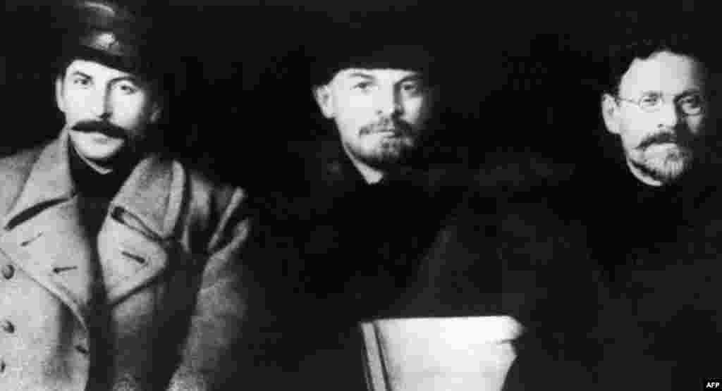 Josef Stalin (left), Vladimir Lenin, and Mikhail Kalinin meet at the Communist Party's Eight Congress in Moscow in March 1919.