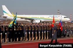 Самолет Airbus A321 президента Казахстана Касым-Жомарта Токаева после посадки в Москве. 2019 год.