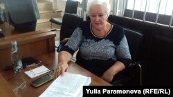 Людмила Осипова с текстом обвинения