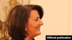 Претседателката на Косово Атифете Јахјага