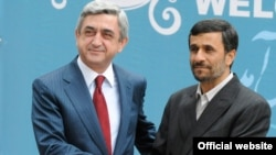 Presidents Serzh Sarkisian (left) of Armenia and Mahmud Ahmadinejad of Iran in 2009