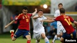 Испания Уругвайды 2-1- эсебинде жеңди, 16-июнь, 2013-жыл
