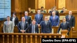 Guvernul lui Ion Chicu, primind votul de încredere în Parlament, 14 noiembrie 2019