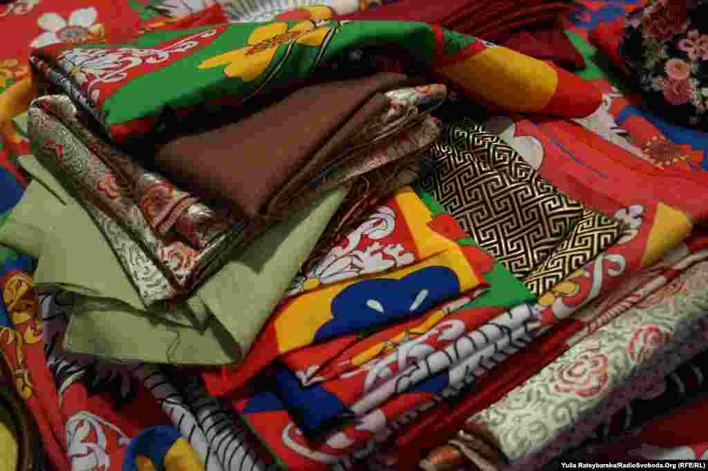 Японські хустки для фуросікі – мистецтва створення пакування та сумок з відрізів тканини